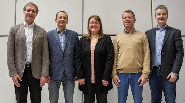 Der DGMS-Vorstand (ab 2017, von links): Bernhard Spengler, Matthias Letzel, Andrea Sinz, Dietrich Volmer, Jürgen Gross.